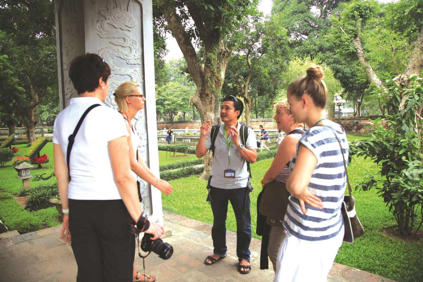 Để trở thành hướng dẫn viên du lịch thi khối gì?