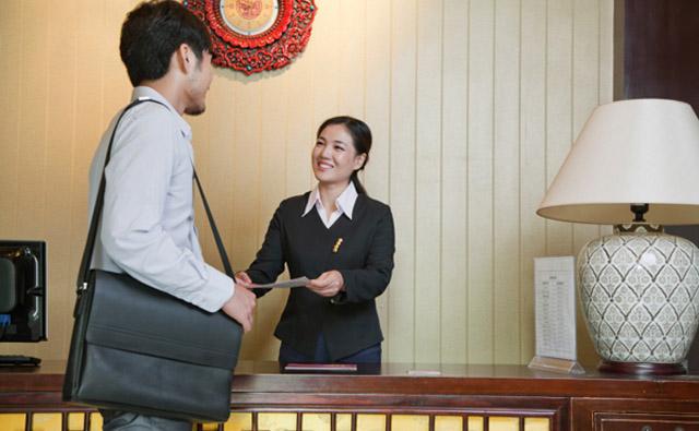 Học quản trị khách sạn có cần chiều cao lý tưởng?